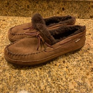 LL Bean Wicked Good Shearling Slippers Mocs 11